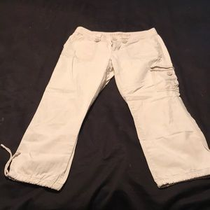Aeropostale Capri  Pants. Size 3/4